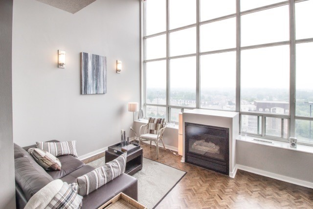 Photo 3: 250 Manitoba St Unit #Ph 817 in Toronto: Mimico Condo for sale (Toronto W06)  : MLS® # W3873614