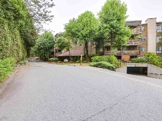 "Main Photo: 310 10680 151A Street in Surrey: Guildford Condo for sale in ""Lincolns Hill"" (North Surrey)  : MLS® # R2202673"