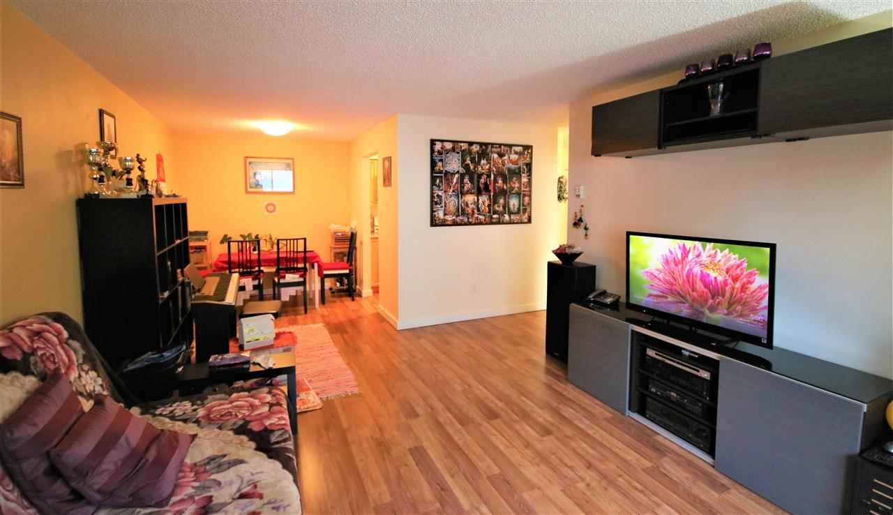 Main Photo: 302 385 GINGER Drive in New Westminster: Fraserview NW Condo for sale : MLS® # R2203856