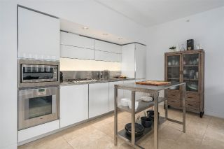"Main Photo: 2006 838 W HASTINGS Street in Vancouver: Downtown VW Condo for sale in ""JAMESON HOUSE"" (Vancouver West)  : MLS®# R2309694"