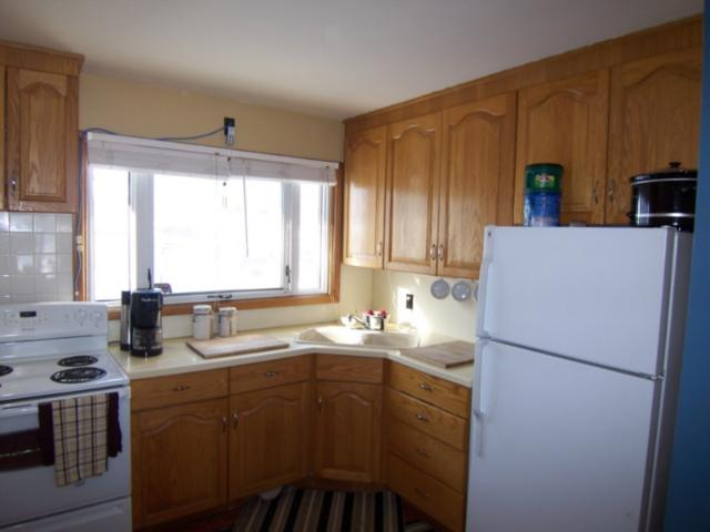 Photo 2: 1618 Pritchard Avenue in WINNIPEG: North End Residential for sale (North West Winnipeg)  : MLS(r) # 1103114