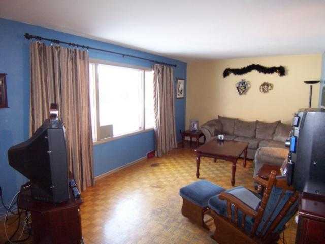 Photo 4: 1618 Pritchard Avenue in WINNIPEG: North End Residential for sale (North West Winnipeg)  : MLS(r) # 1103114