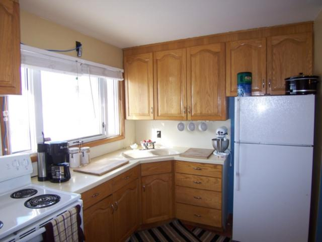 Photo 3: 1618 Pritchard Avenue in WINNIPEG: North End Residential for sale (North West Winnipeg)  : MLS(r) # 1103114
