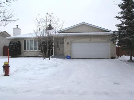 Main Photo: 35 JEFFREY CR in Winnipeg: Residential for sale (Canada)  : MLS® # 2919970