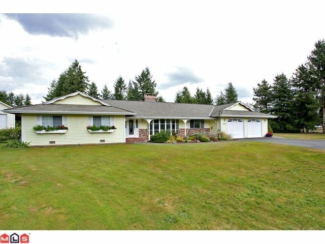 Main Photo: 24887 55A Avenue in Langley: Salmon River House for sale : MLS® # F1221846