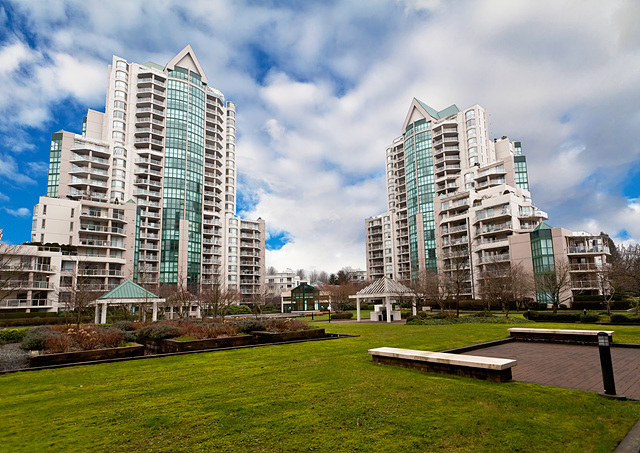 Main Photo: 602 1190 Pipeline Road in Coquitlam: North Coquitlam Condo for sale : MLS®# V989520