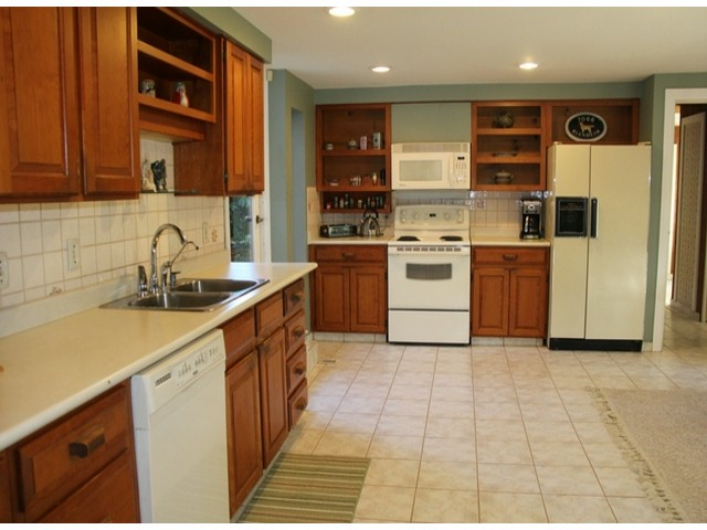 "Photo 5: 9850 MCKINNON Crescent in Langley: Fort Langley House for sale in ""FORT LANGLEY"" : MLS® # F1426626"