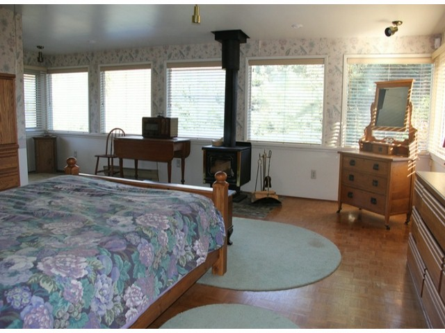 "Photo 8: 9850 MCKINNON Crescent in Langley: Fort Langley House for sale in ""FORT LANGLEY"" : MLS® # F1426626"