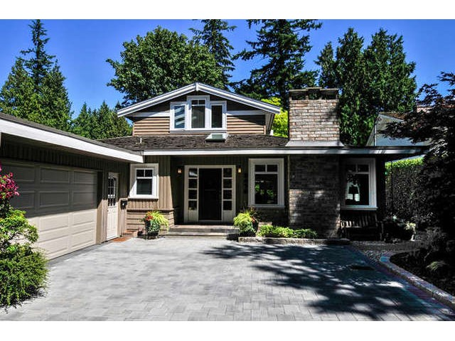 "Main Photo: 2476 124TH Street in Surrey: Crescent Bch Ocean Pk. House for sale in ""OCEAN PARK"" (South Surrey White Rock)  : MLS®# F1448273"