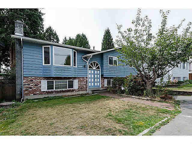 "Main Photo: 15970 N BLUFF Road: White Rock House for sale in ""White Rock"" (South Surrey White Rock)  : MLS® # F1450354"