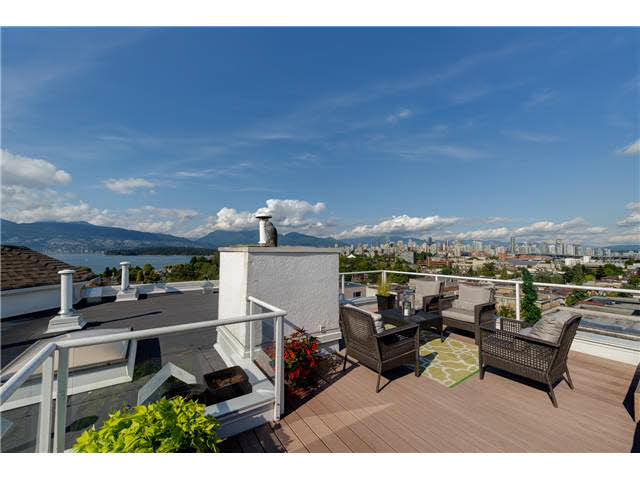 "Photo 2: PH22 2175 W 3RD Avenue in Vancouver: Kitsilano Condo for sale in ""SEA BREEZE"" (Vancouver West)  : MLS® # V1140855"