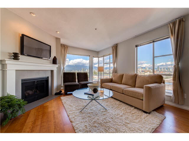 "Photo 4: PH22 2175 W 3RD Avenue in Vancouver: Kitsilano Condo for sale in ""SEA BREEZE"" (Vancouver West)  : MLS® # V1140855"