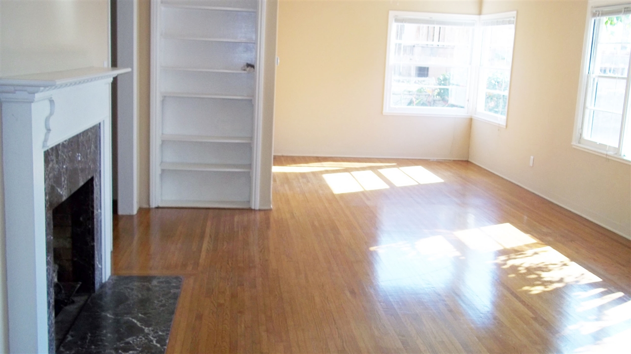 Photo 4: LA JOLLA House for rent : 3 bedrooms : 5720 CHELSEA AVE