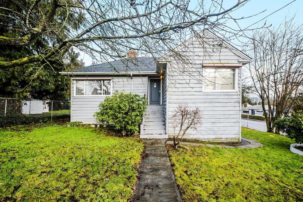 Main Photo: 119 BRAID Street in New Westminster: Sapperton House for sale : MLS(r) # R2026076