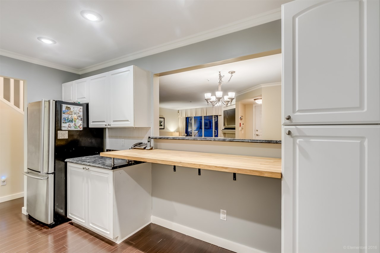 "Photo 17: 26 788 W 15TH Avenue in Vancouver: Fairview VW Townhouse for sale in ""SIXTEEN WILLOWS"" (Vancouver West)  : MLS® # R2042871"