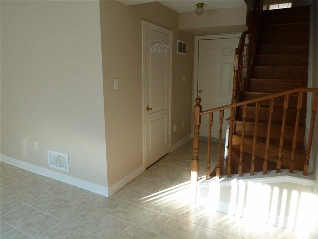 Photo 4: 76 4950 Albina Way in Mississauga: Hurontario Condo for lease : MLS(r) # W3443490