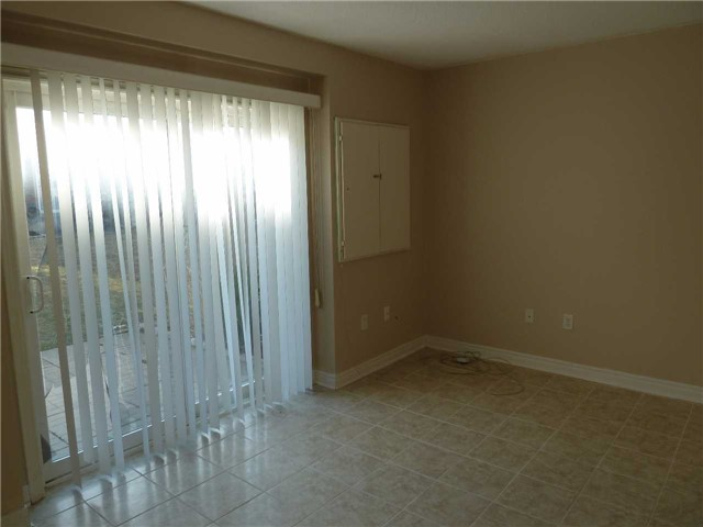 Photo 3: 76 4950 Albina Way in Mississauga: Hurontario Condo for lease : MLS(r) # W3443490