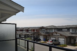 "Main Photo: 5996 BEACHGATE Lane in Sechelt: Sechelt District Townhouse for sale in ""Edgewater"" (Sunshine Coast)  : MLS®# R2063332"