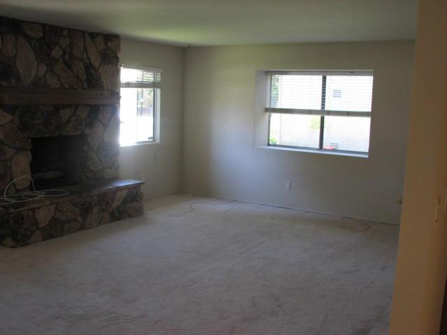 Photo 2: IMPERIAL BEACH House for rent : 3 bedrooms : 932 Ebony Avenue