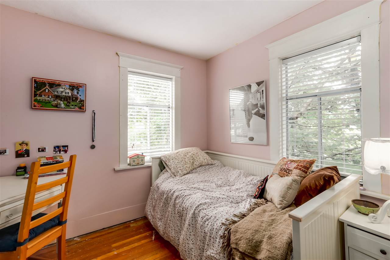 Photo 17: 4504 EARLES Street in Vancouver: Collingwood VE House for sale (Vancouver East)  : MLS® # R2074634