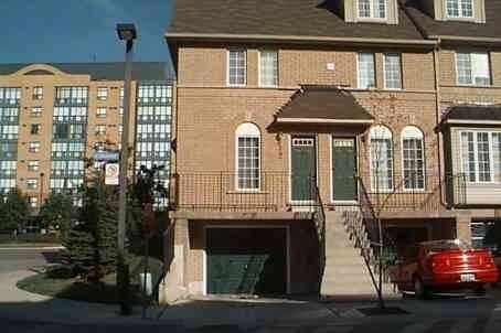 Main Photo: 12 75 Strathaven Drive in Mississauga: Hurontario Condo for lease : MLS® # W3522113