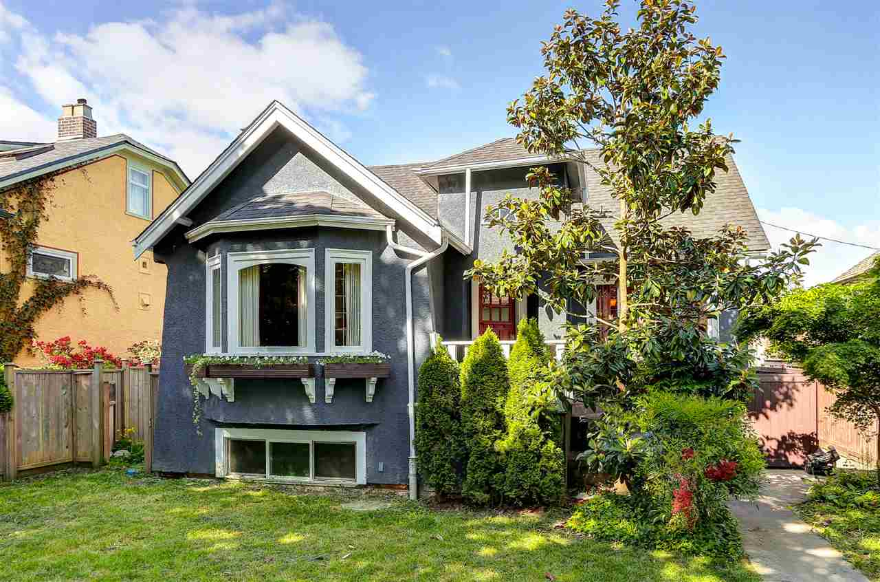 Main Photo: 1321 KAMLOOPS Street in Vancouver: Renfrew VE House for sale (Vancouver East)  : MLS® # R2080327