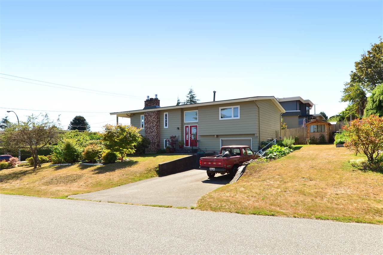 Main Photo: 1215 PARKER Street: White Rock House for sale (South Surrey White Rock)  : MLS® # R2097862