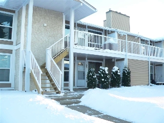 Main Photo: 85 2204 118 Street in Edmonton: Zone 16 Carriage for sale : MLS(r) # E4054643