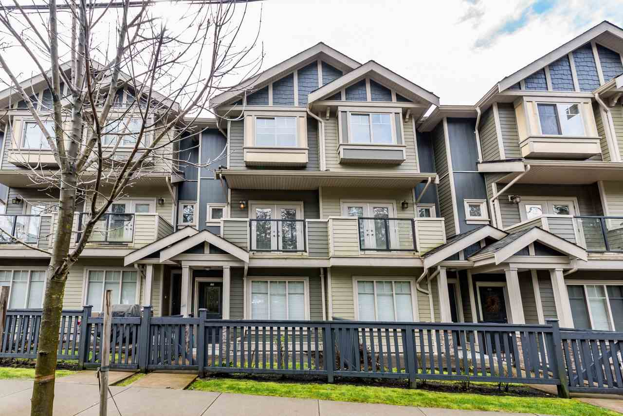 "Main Photo: 109 3382 VIEWMOUNT Drive in Port Moody: Port Moody Centre Townhouse for sale in ""LILLIUM VILLAS"" : MLS®# R2155402"