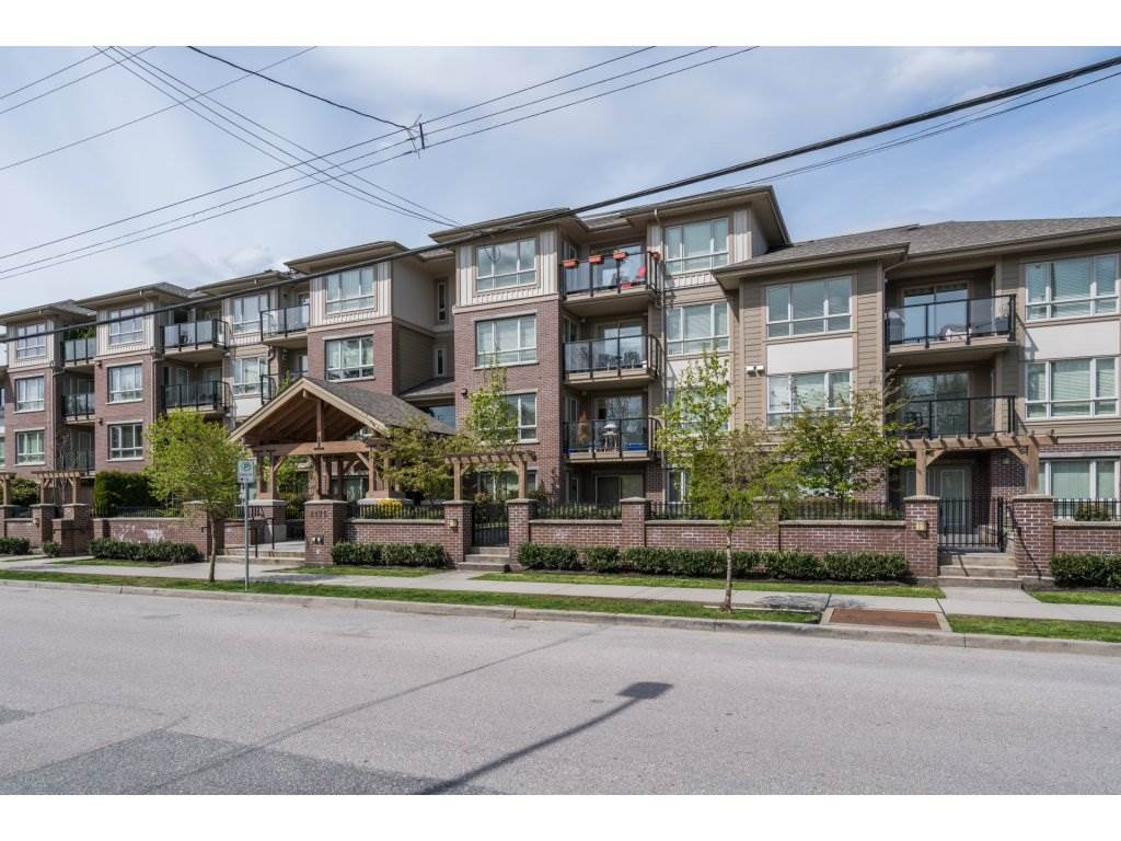 "Main Photo: 401 2175 FRASER Avenue in Port Coquitlam: Glenwood PQ Condo for sale in ""THE RESIDENCES OF SHAUGHNESSY"" : MLS® # R2163072"