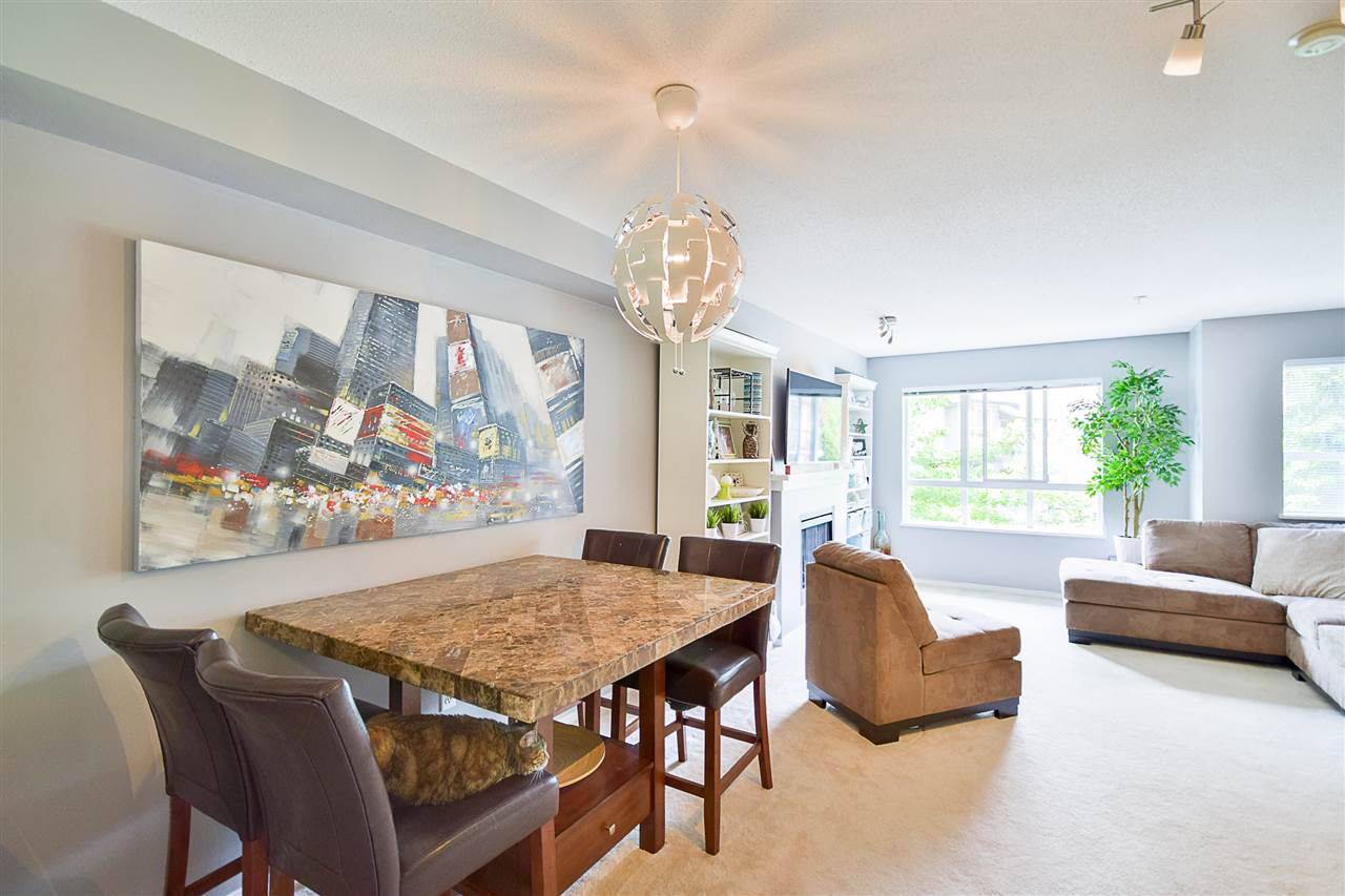 Photo 7: 97 6747 203 Street in Langley: Willoughby Heights Townhouse for sale : MLS® # R2172293