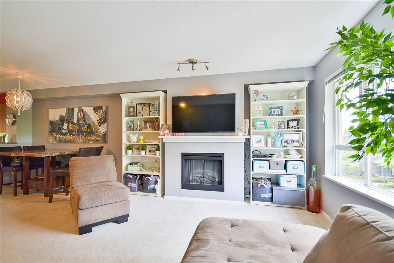 Photo 5: 97 6747 203 Street in Langley: Willoughby Heights Townhouse for sale : MLS® # R2172293