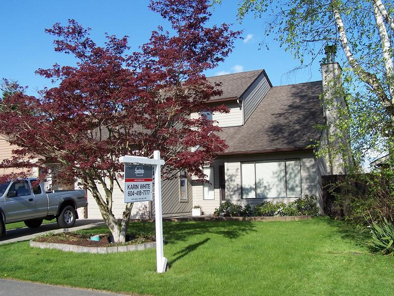 Photo 2: 6160 194TH Street in Cloverdale: Home for sale : MLS® # F2812278