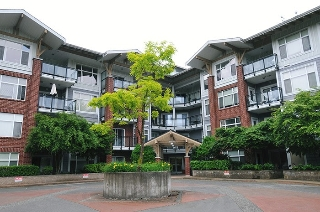 "Main Photo: 201 11950 HARRIS Road in Pitt Meadows: Central Meadows Condo for sale in ""ORIGIN"" : MLS(r) # R2177634"