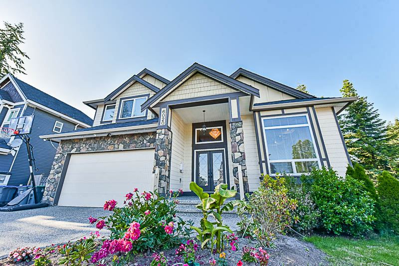 Main Photo: 6020 131A Street in Surrey: Panorama Ridge House for sale : MLS®# R2180116