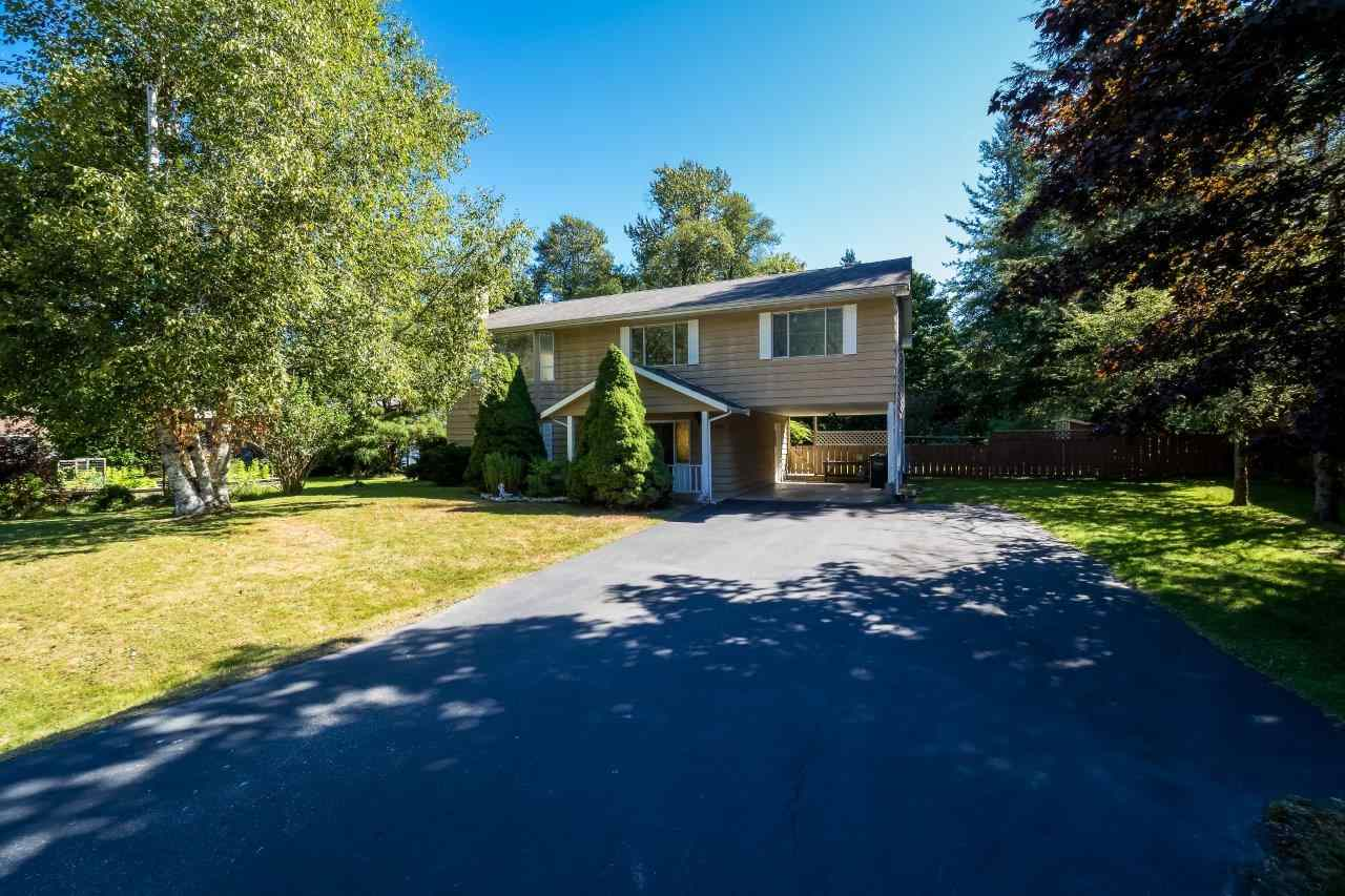 Main Photo: 41520 GRANT Road in Squamish: Brackendale House for sale : MLS® # R2198919