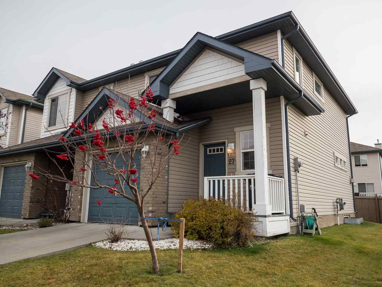 Main Photo: 27 700 BOTHWELL Drive: Sherwood Park House Half Duplex for sale : MLS® # E4086193