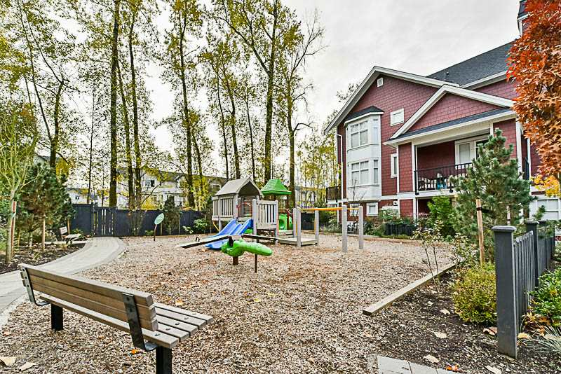 "Photo 16: Photos: 79 20852 77A Street in Langley: Willoughby Heights Townhouse for sale in ""Arcadia"" : MLS® # R2220798"