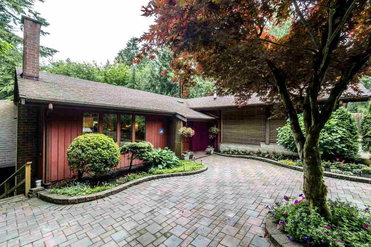 Main Photo: 277 E BRAEMAR Road in North Vancouver: Upper Lonsdale House for sale : MLS® # R2226868