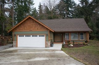 "Main Photo: 1420 SUNDANCE Place in Gibsons: Gibsons & Area House for sale in ""GEORGIA CREST - BONNIEBROOK"" (Sunshine Coast)  : MLS® # R2228692"