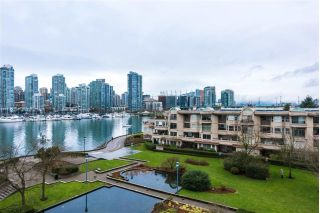 "Main Photo: 514 456 MOBERLY Road in Vancouver: False Creek Condo for sale in ""PACIFIC COVE"" (Vancouver West)  : MLS® # R2236509"
