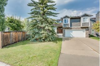 Main Photo: 28 Woodacres Crescent SW in Calgary: Woodbine House for sale : MLS®# C4194143
