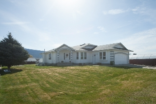 Main Photo: 6203 MILTIMORE AVENUE in SUMMERLAND: Residential Detached for sale : MLS®# 140111