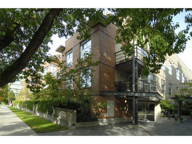 Main Photo: 412 2181 W 12TH Avenue in Vancouver: Kitsilano Condo for sale (Vancouver West)  : MLS®# V966699