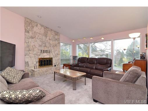 Photo 5: 1024 Symphony Place in VICTORIA: SE Cordova Bay Single Family Detached for sale (Saanich East)  : MLS® # 334546