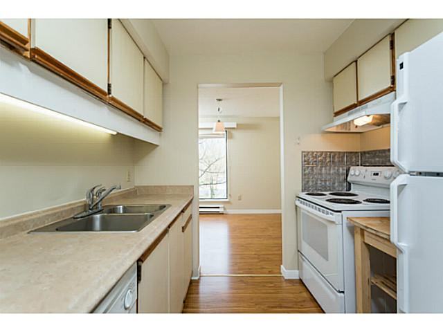 "Main Photo: 303 340 GINGER Drive in New Westminster: Fraserview NW Condo for sale in ""FRASER MEWS"" : MLS® # V1057006"
