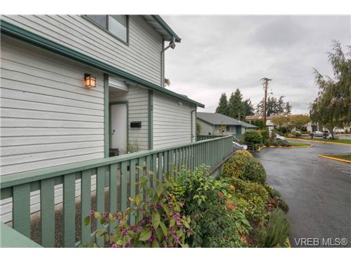 Photo 19: 2 1500 Glentana Road in VICTORIA: VR Glentana Townhouse for sale (View Royal)  : MLS(r) # 346735
