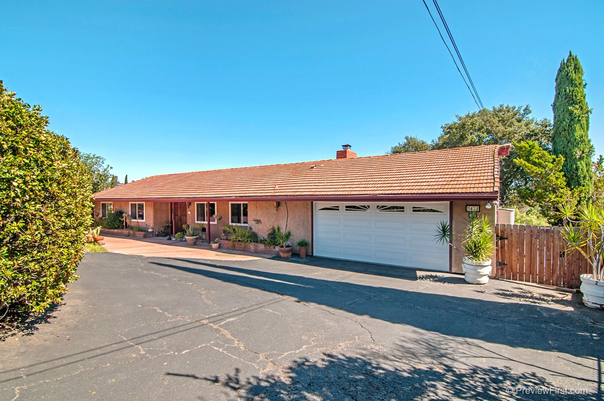 Main Photo: SOUTH ESCONDIDO House for sale : 3 bedrooms : 2471 REILL VIEW DRIVE in ESCONDIDO