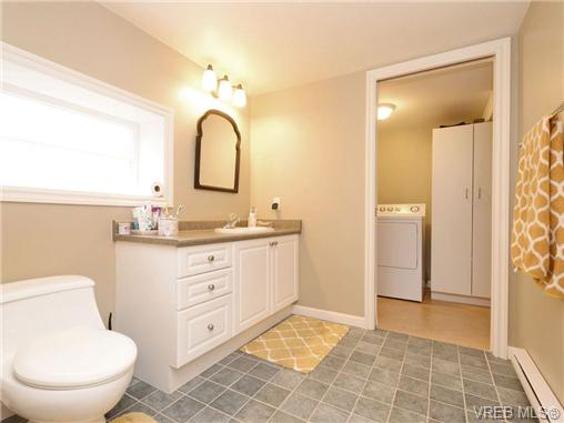 Photo 7: 2361/2367 Central Avenue in VICTORIA: OB South Oak Bay Single Family Detached for sale (Oak Bay)  : MLS(r) # 361585