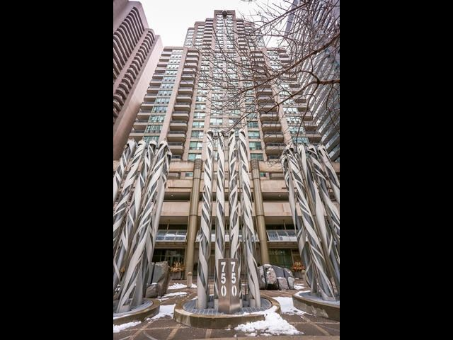 Main Photo: 1701 750 Bay Street in Toronto: Bay Street Corridor Condo for sale (Toronto C01)  : MLS® # C3458736